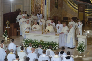 Homily of his Holiness Pope Francis: Holy Mass with priests, man and women religious, consecrated people and polish seminarians